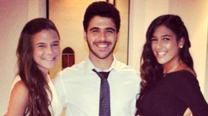 De gauche à droite : Anisseh Chawkat, son frère Bassel et sa soeur Beshui. Photo tirée des réseaux sociaux