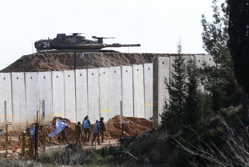 Des soldats de la Finul patrouillant le long de la frontière israélienne, dans le village libanais de Adayssé, le 11 janvier 2019. Mahmoud Zayyat/AFP