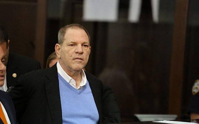 Des comédiennes le prennent à parti en plein show — Harvey Weinstein
